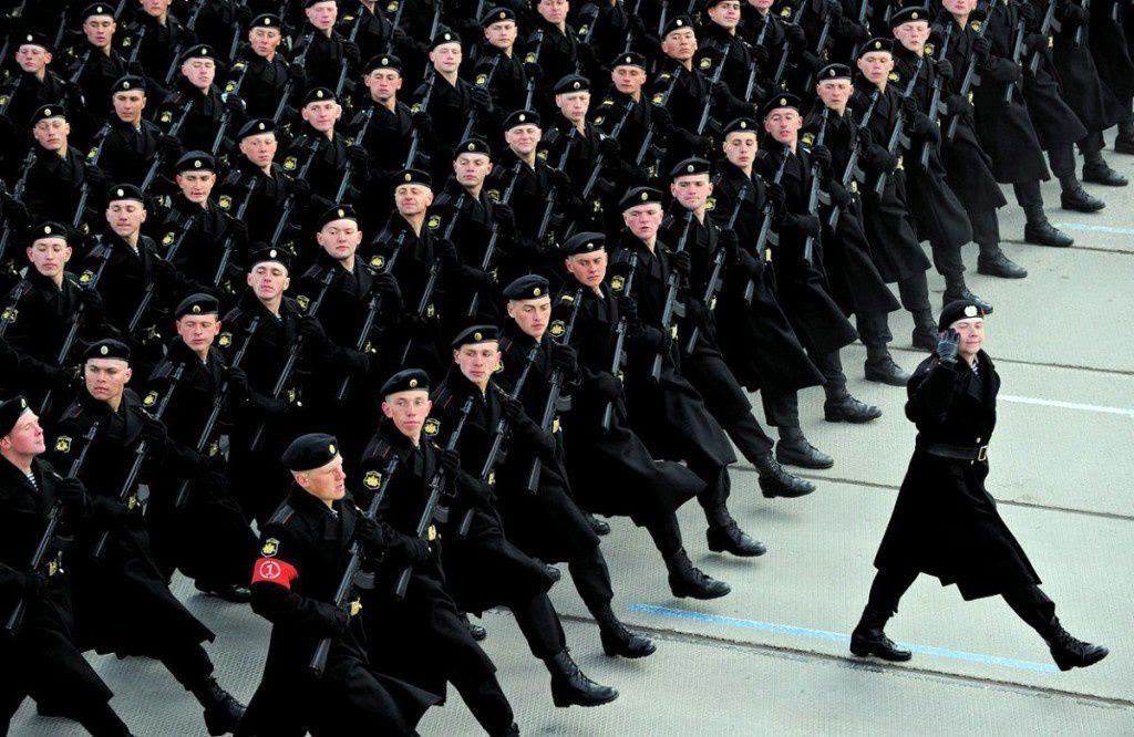 """L'infanterie de marine russe, communément appelée """"la Mort Noire"""""""