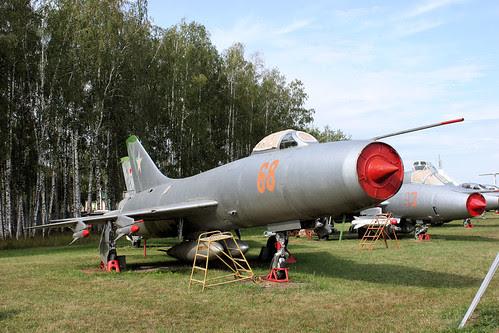 Sukhoi Su-9 68 red