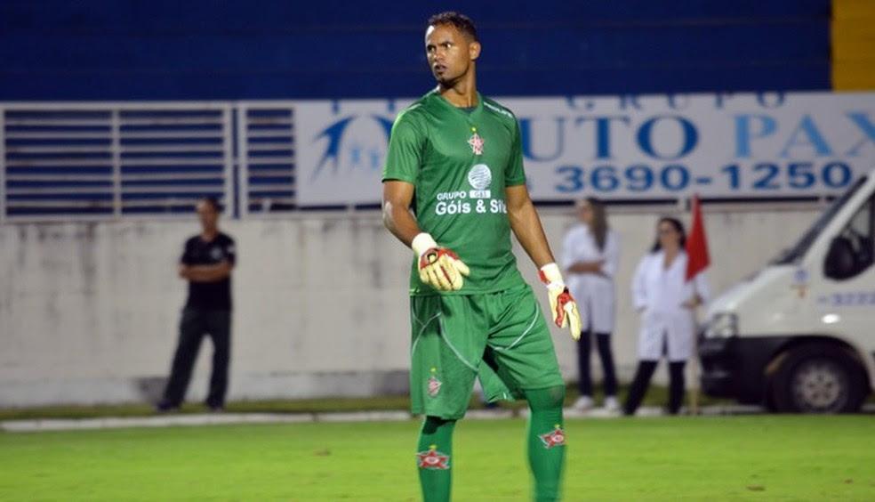 Goleiro Bruno durante jogo do Boa Esporte (Foto: Régis Melo)