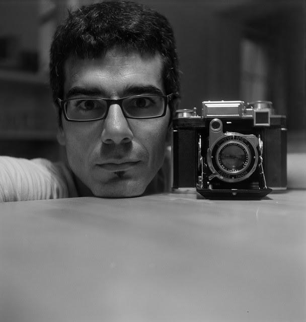 four eyes [super ikonta selfie] (+1)