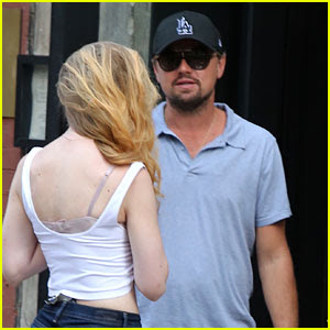 Leonardo DiCaprio Grabs Dinner at an Oyster Bar in NYC