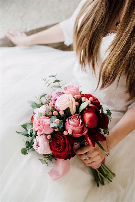 Best 25  Hand bouquet ideas on Pinterest   Hand bouquet