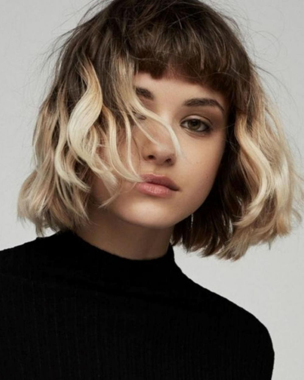 Hairstyles: wavy bob hairstyles with bangs 2018
