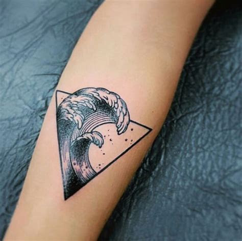 unique waves geometric tattoo venice tattoo art designs
