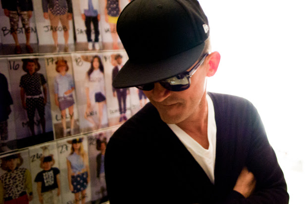 449-mark-mcnairy-2013-spring-summer-backstage-visuals-1