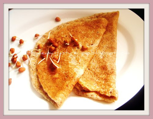 Sprouted Kala channa & Oats Dosa