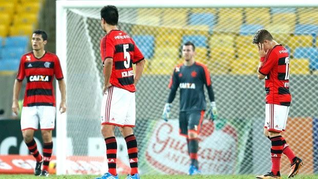 Adryan derrota Flamengo Atlético-PR (Foto: Alexandre Cassiano / Ag. O Globo)