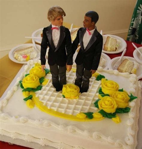 4 Highlights From Christian Baker?s Wedding Cake Case at