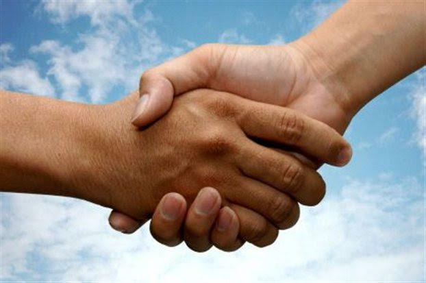 http://perierga.gr/wp-content/uploads/2011/06/handshake.jpg