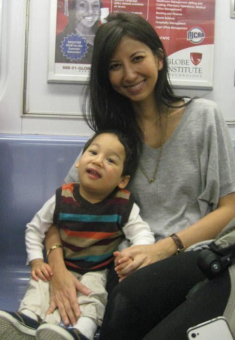Maria Lin, e seu filho é Jacob.