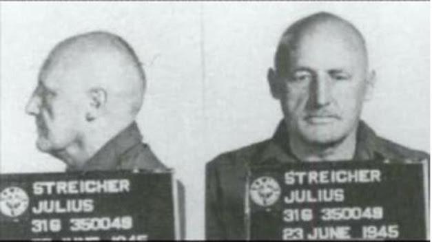 JULIUS STREICHER FICHADO