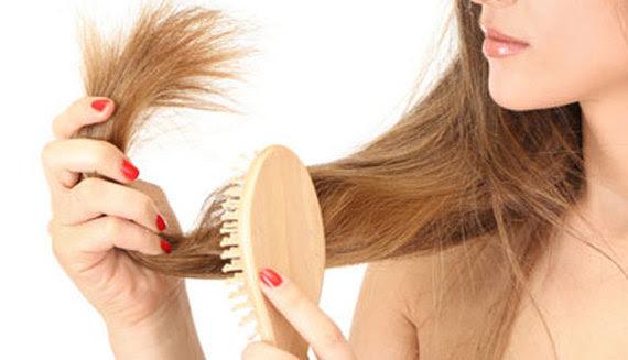 2015-04-15-1429119969-7542289-hairbrush.jpg