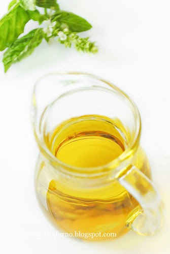 Olio di Oliva al Basilico-Basil Olive Oil