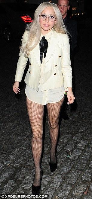 Gaga a boa menina: Ela pode vestir estranha, mas pelo menos ela usa sua fama para uma boa causa