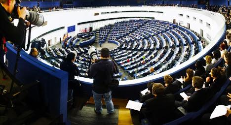 نواب أوروبيون يسائلون اللجنة الأوروبية حول فضيحة تلاعب البوليساريو والجزائر بالمساعدات الموجهة للمخيمات
