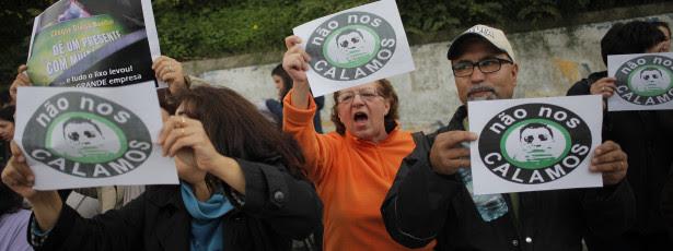 Meia centena de ex-trabalhadores da Moviflor em protesto