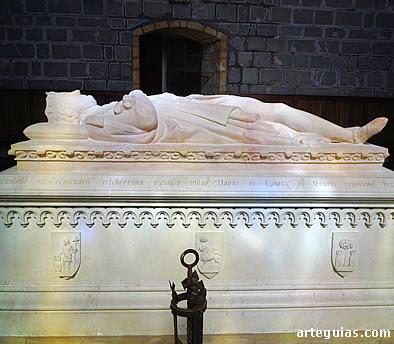 Estatua yacente del monarca navarro Sancho el Fuerte