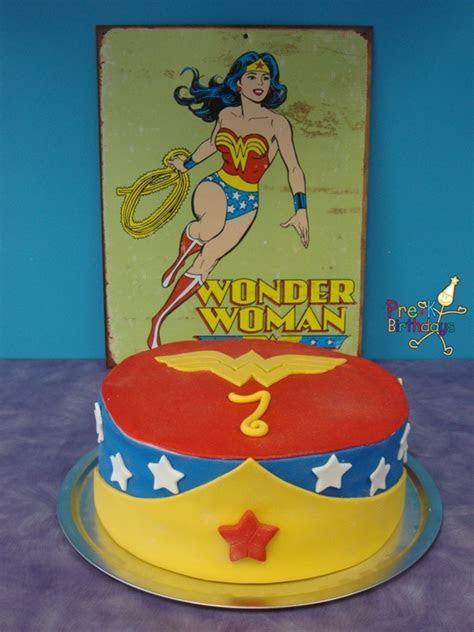200 best Cakes   Wonder Woman images on Pinterest   Wonder