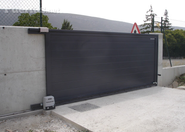 Dormitorio muebles modernos puertas correderas exterior for Herrajes puertas correderas garaje