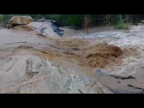 Chuvas em Barra de Santa Rosa/PB fazem água correr no rio novamente.