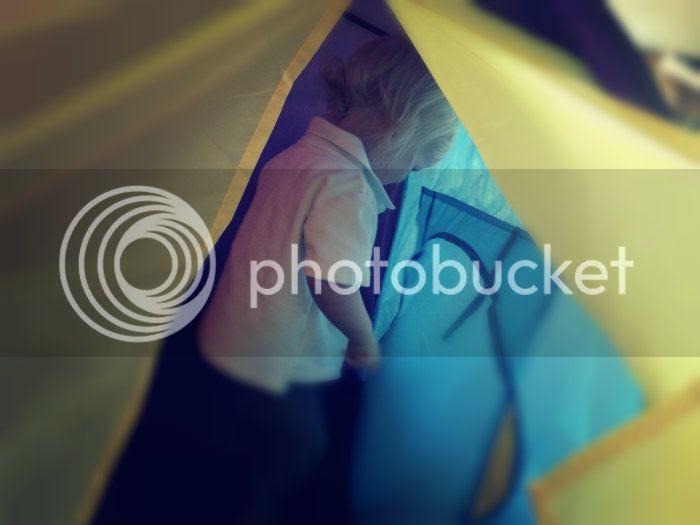Tent yellow