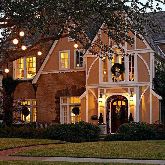 Decorate Front Yard Trees and Shrubs