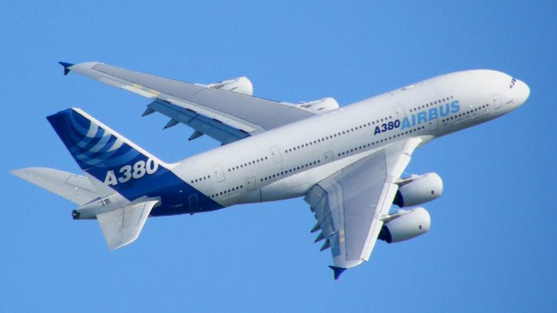 http://drakeghazal.files.wordpress.com/2007/10/airbus_a380_blue_sky.jpg