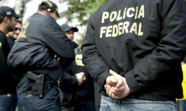 A Polícia Federal prende um integrante do Carf como parte da Operação Quatro Mãos / Foto: Agência Brasil