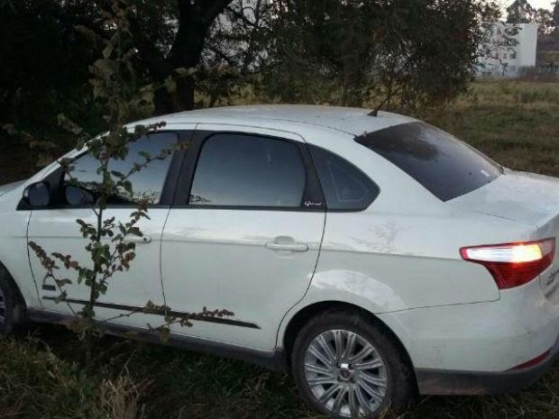Guarda encontrou veículo abandonado em estrada após crime (Foto: Guarda de Jundiaí/Divulgação)