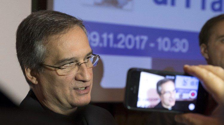 Monignor Dario Edoardo Vigano