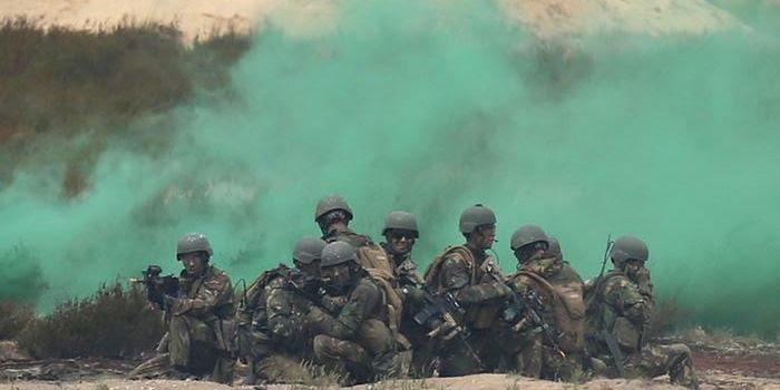 La NATO gioca alla guerra con la Russia e fa le prove 'dell'assedio' dell'Ucraina