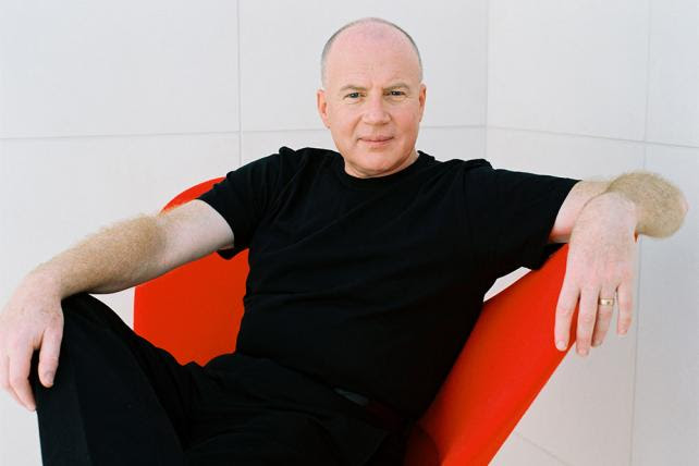http://gaia.adage.com/images/bin/image/x-large/KEVIN_ROBERTS_DuncanCole_redchair_web3x2.jpg