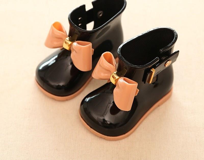 lovephanie  Comprar Botas De Goma Para Niños PVC Niñas Jelly Lindo Bowknot Zapatos  Lluvia Rojo rosa negro Tobillo Con Hebilla Impermeable Online Baratos 666b735db4950