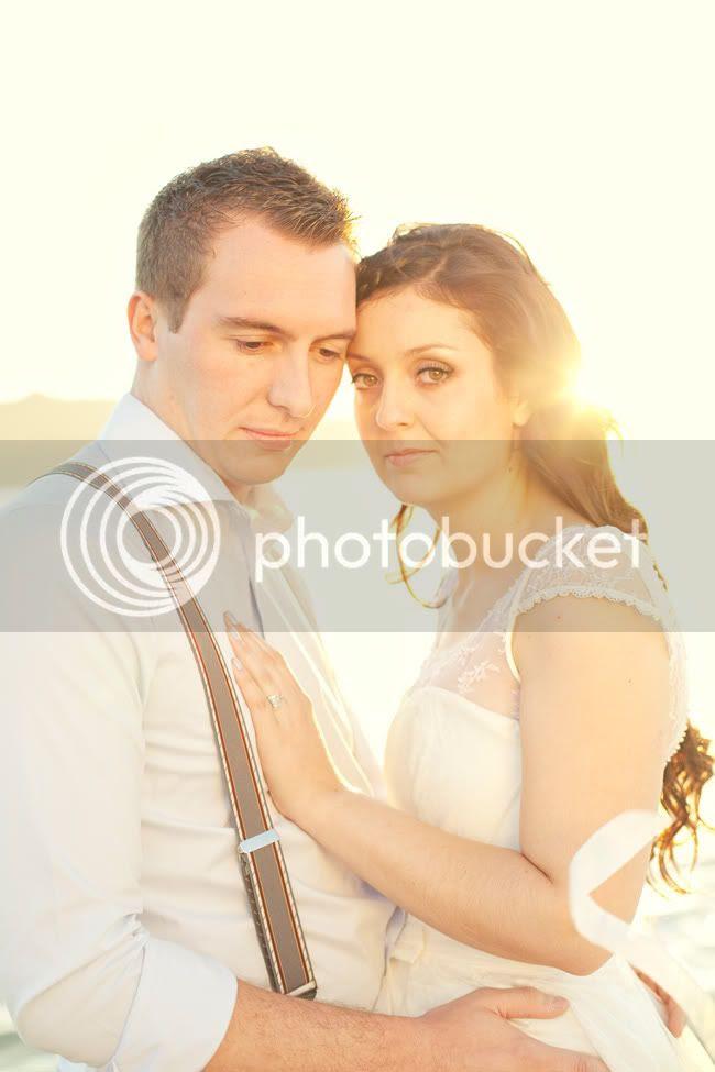 http://i892.photobucket.com/albums/ac125/lovemademedoit/ML_beachtrashthedress_005.jpg?t=1300698296