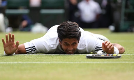 Fernando Verdasco takes a break.