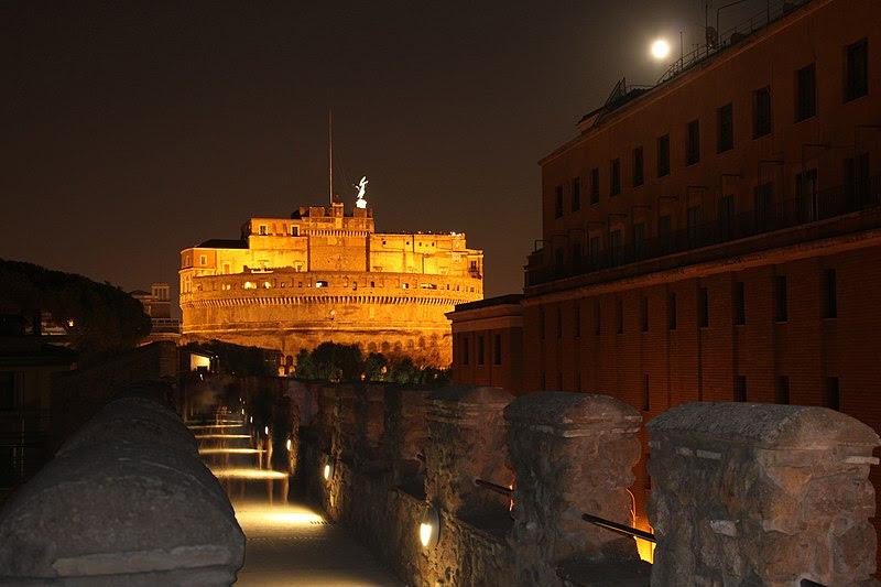 File:Rome - Passetto di Borgo and Castel Sant'Angelo by night 0990.jpg