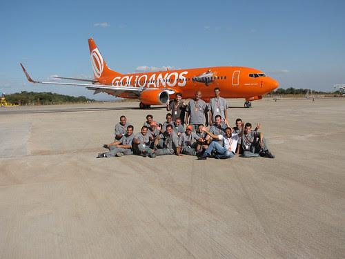 Avião laranja em comemoração aos 10 anos da GOL