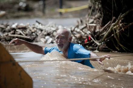 """Estragos de la tormenta """"Manuel"""" en Acapulco, Guerrero. Foto: Xinhua / Pedro Mera"""