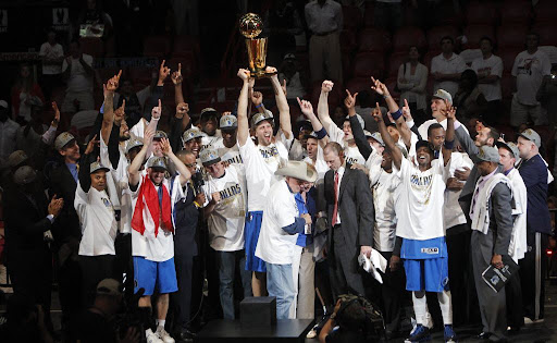 Avatar of Trophy time: Fox Sports Southwest to re-air Stars, Mavs title runs, plus Rangers playoff victories