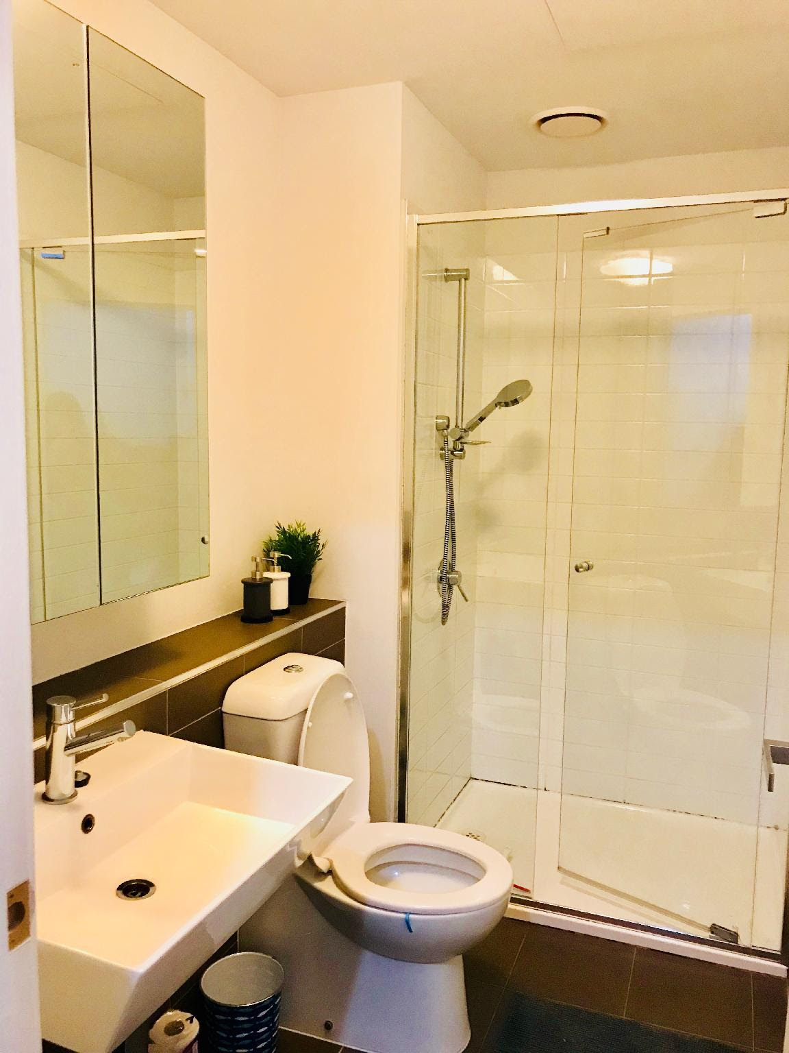 hotel near Melbourne AUSP32-A CBD private room cozy apt free tram zone