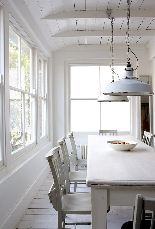 MODERN COUNTRY SHABBY MEETS CHIC IN A WHITE RUSTIC KITCHEN! COCOCOZY