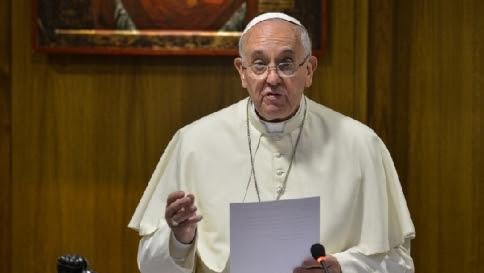 """Il Papa ai lavoratori: """"Continuate a combattere per i vostri diritti"""""""