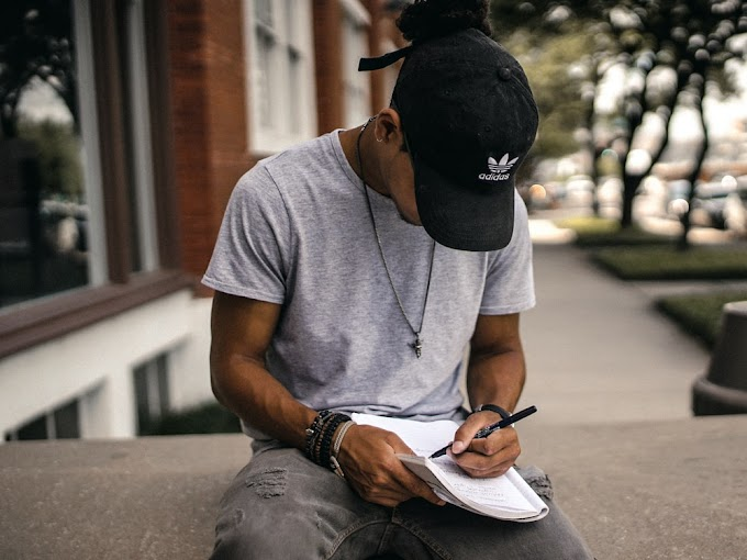 How To Make Money Online Doing Freelance Writing