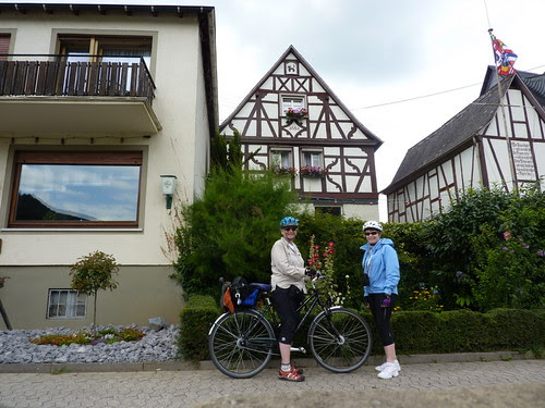 Between Boppard and Koblemnz -- Spay