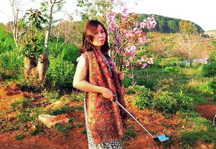 nữ phó giám đốc sở bẻ hoa, Phạm Thị Minh Hiếu, bẻ hoa, sở tư pháp Bình Thuận, bẻ hoa mai anh đào