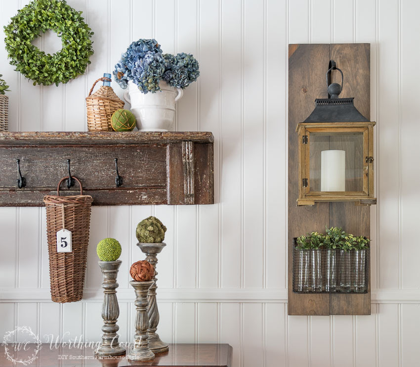 Fixer-Upper-style-diy-hanging-lantern-on-a-wood-plaque