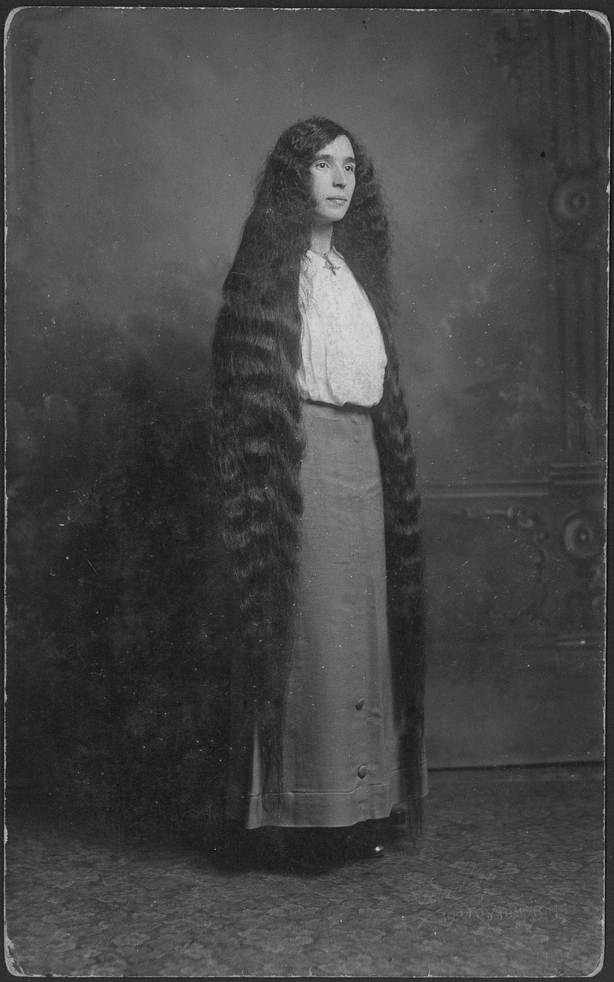 As mulheres vitorianas que nunca cortavam o cabelo 07
