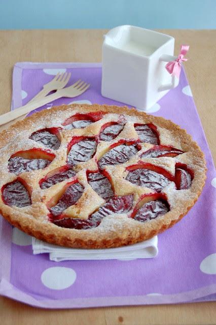 Rustic plum tart / Torta rústica de ameixa