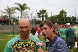 Jamie Moyer, usually observant, fails to notice as Raul Ibanez's t-shirt begins to explode. (Image courtesy of 1.bp.blogspot.com)