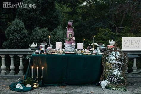 Dark Alice in Wonderland Wedding Theme   ElegantWedding.ca